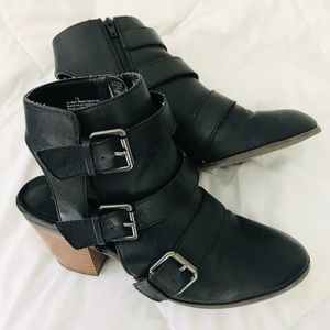 Express chunky wood heel boots